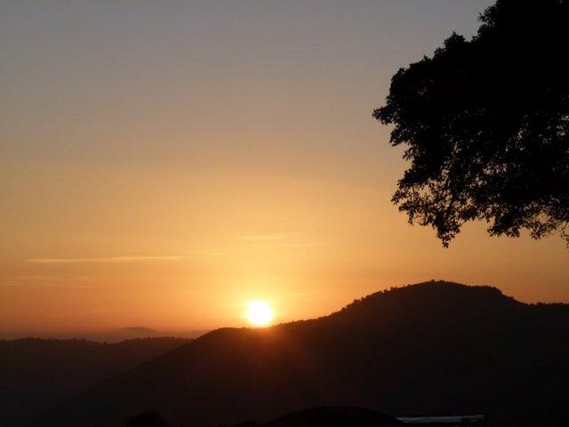 TZ_ngorngoro_at_sunrise